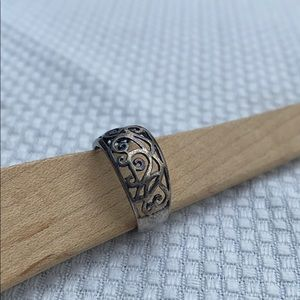 Jewelry - Vintage sterling silver scroll ring band 5.5